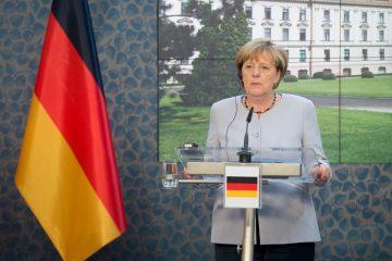 """La canciller aseguró que Alemania siempre intenta ayudar, pero dejó claro que su apoyo no puede sustituir a las medidas que debe tomar París y recordó que """"Francia debe tomar sus decisiones"""". (Dreamstime)"""