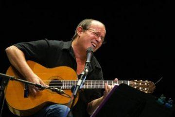 """En la actualidad, el cantautor de 70 años sigue su """"Gira por los barrios"""", un proyecto con el que ha ofrecido más de 80 conciertos desde septiembre de 2010, acompañado de sus músicos y otros invitados en zonas desfavorecidas de La Habana y otras provincias de la isla"""