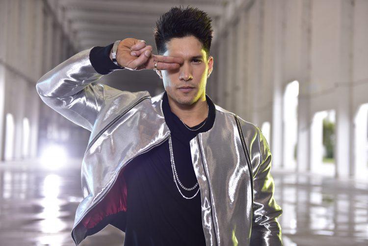 """Actualmente CHYNO se encuentra trabajando en su nuevo proyecto musical como solista, preparando un gran repertorio musical en donde ya tiene anunciados los temas """"Quédate Conmigo"""" ft Wisin y Gente de Zona y """"Hasta El Ombligo"""" ft. Zion y Lennox (Nevarez Communications )"""