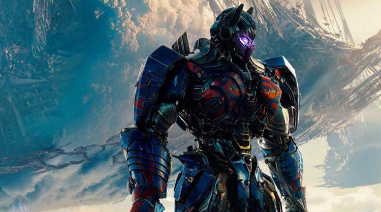 """La quinta entrega de """"Transformers"""" cuenta de nuevo con Michael Bay como director y en su reparto aparecen los actores Mark Wahlberg, Anthony Hopkins, Josh Duhamel y la latina Isabela Moner"""