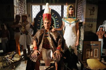 "Leonardo Vieira como el faraón Apofis, Bianca Rinaldi como Tani, la esposa del faraón, en la nueva serie ""José de Egipto"" de Univision"