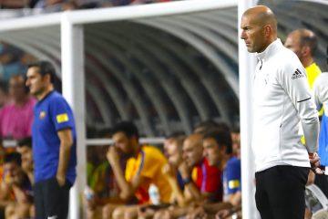 Zidane pasando un mal momento con el Madrid