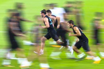 Fotografía a baja velocidad del jugador Gareth Bale (c) del Real Madrid durante un entrenamiento el pasado, viernes 28 de julio de 2017, en el estadio Hard Rock en Miami (FL, EE.UU.) EFE/JuanJo Martin