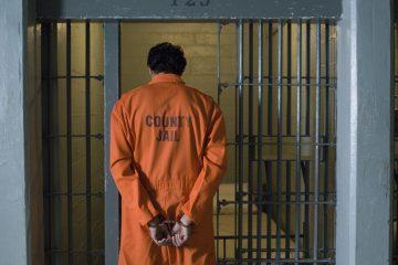 Los abogados del criminal, de 86 años y condenado a trece cadenas perpetuas, habían solicitado el aplazamiento de su pena o su arresto domiciliario, debido a sus graves condiciones de salud, con importantes problemas cardíacos y renales y parkinson. (Dreamstime)