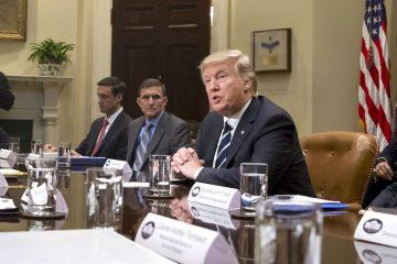 Presidente Donald J. Trump (2-R) (Estados Unidos) EFE/EPA/MICHAEL REYNOLDS