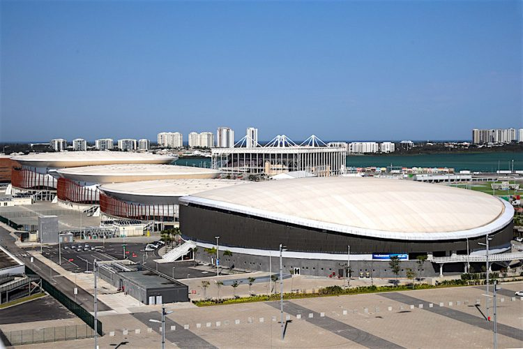 Vista general de las instalaciones del Parque Olímpico hoy, jueves 3 de agosto de 2017, en Río de Janeiro (Brasil). Hace apenas un año, Río de Janeiro era el epicentro del mundo con la disputa de los Juegos Olímpicos de verano, que culminaban un período de 5 años en los que Brasil organizó eventos que acapararon toda la atención mundial. Doce meses después, la situación de la ciudad más famosa de Brasil es totalmente opuesta: con el estado arruinado, los índices de violencia se han disparado, las instalaciones olímpicas están en completo desuso y parte del legado olímpico está en entredicho. EFE/ Antonio Lacerda.