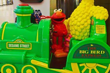 """En """"El patito"""", los personajes de """"Sesame Street"""" adaptan la letra de """"Despacito"""" para hacerla girar en torno a un patito de goma que es uno de los juguetes preferidos de Ernie. (Dreamstime)"""