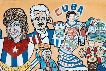 """Pardillo-Cid, que fue amigo de Celia Cruz y su representante durante los últimos años de su carrera, hizo votos para que los diseños de www.celiacruz.com reciban la aprobación de los numerosos fans de la artista que popularizó el grito """"¡Azúcar!"""". (Dreamstime)"""