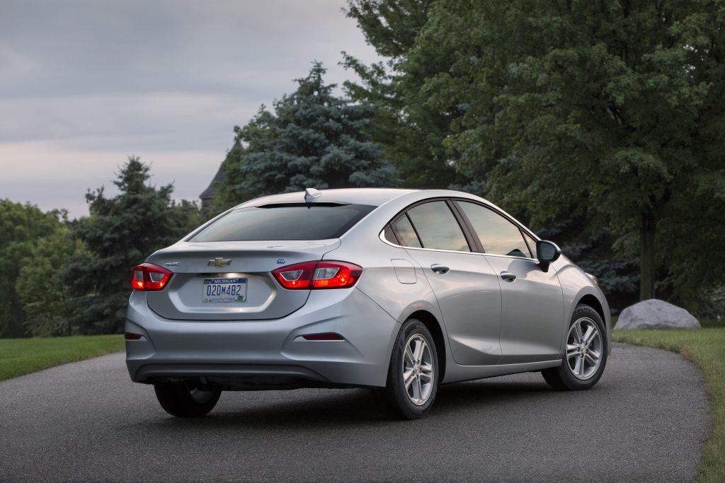 2-2017-Chevrolet-Cruze-Diesel-029-1024x683 Cruze Diésel Sedán 2017: Económico, moderno y lujoso