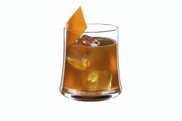 Citrus Cross hecho con Hennessy.