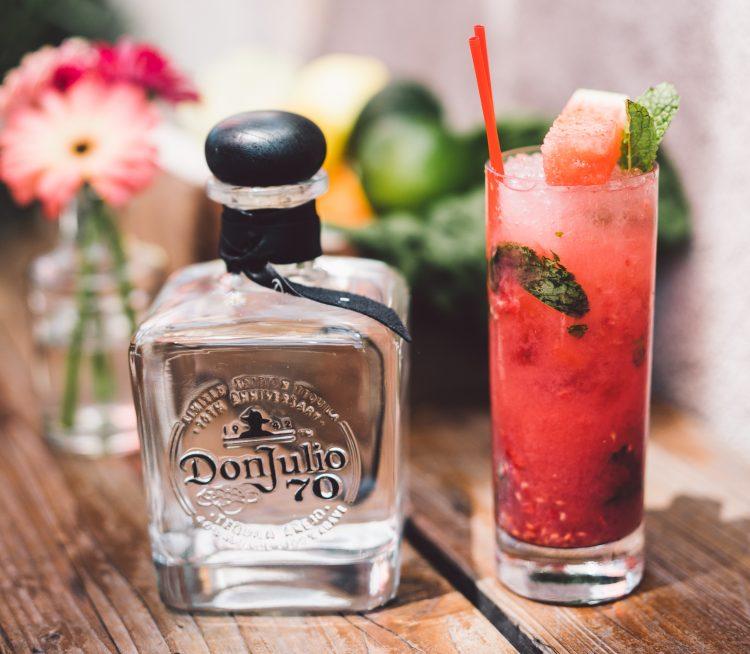 1 bebida, ninguna bebida contiene más de 0.6 onzas líquidas de alcohol. (cortesía Tequila Don Julio)