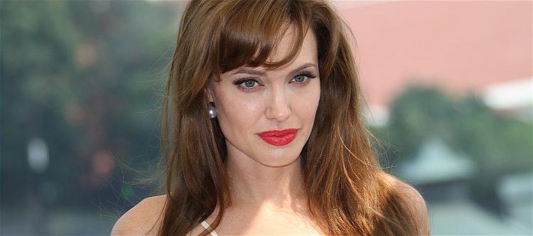 """En plena promoción de su nueva película como directora, """"First They Killed My Father"""", producida por Netflix y que la estrenará en su plataforma el 15 de septiembre, Jolie ha recibido a dos periodistas en su nueva casa de el barrio de Los Feliz, en Los Ángeles. (Dreamstime)"""