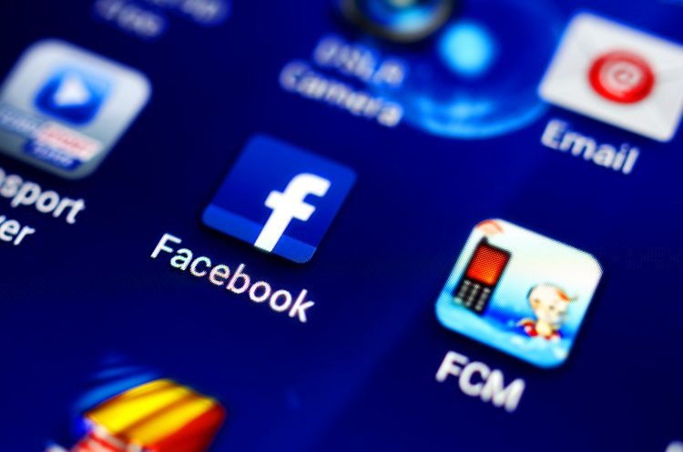 La compañía dirigida por Mark Zuckerberg, propietaria también de la red social Instagram y del servicio de mensajería WhatsApp, ha informado a Roscomnadzor acerca de que estudia las opciones para cumplir con la legislación. (Dreamstime)