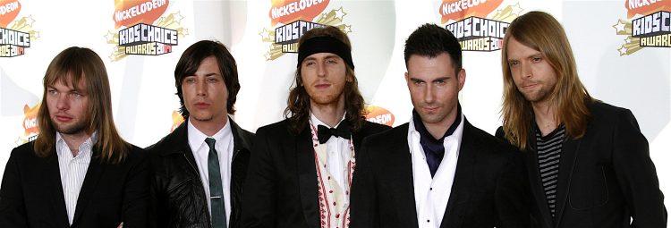 """Levine, con su gran carisma, supo liderar al público cuando le pidió que lo coreara en la interpretación de canciones como """"One more night"""" y """"Misery"""", lo que generó un coro retumbante y mostró que los espectadores habían ido al concierto de hoy en Rock in Río a ver precisamente a Maroon 5. (Dreamstime)"""