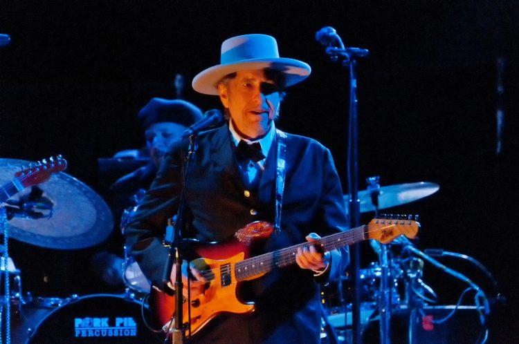 """Los seguidores y estudiosos de Dylan, auténticos especialistas en descifrar y explorar cada milímetro de su trayectoria, suelen hablar de los años cristianos del músico a la hora de abordar los álbumes """"Slow Train Coming"""" (1979), """"Saved"""" (1980) y """"Shot of Love"""" (1981). (Dreamstme)"""