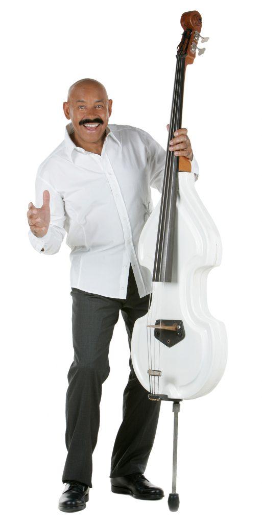 """Oscar-D'Leon-1688x3370px-300ppi-RGB-513x1024 Oscar D'León, el """"diablo"""" de la salsa se presenta después de dos años en Nueva York"""