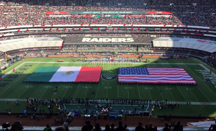 Los Patriots de New England regresan a casa victoriosos con un score final de 33 sobre 8 de los Raiders.