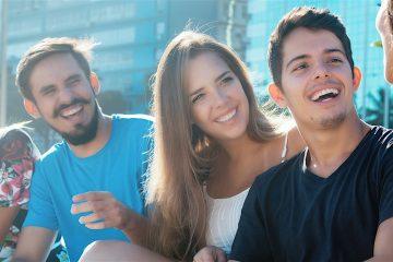 Entre los tres grupos, se supera la cifra de 572,6 millones de hispanohablantes, señala el estudio que destaca que la comunidad hispanohablante seguirá creciendo hasta rozar, a mitad de siglo, los 754 millones de personas con distinto grado de dominio de la lengua. (Dreamstime)