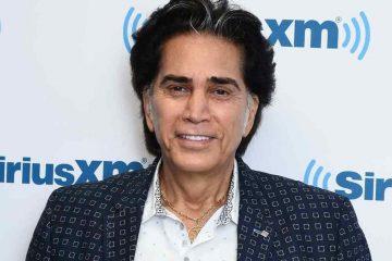 """El presentador de """"Mañana de Éxitos con Raúl y su Combo"""" dijo que Rodríguez, de 73 años, fue intervenido en el Hospital Jackson Memorial. (SeriousXM)"""