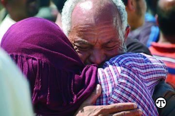 Refugiados y víctimas de desastres pueden contactarse con una orga- nización humanitaria para ayuda en reunirse con sus familias. (naps)