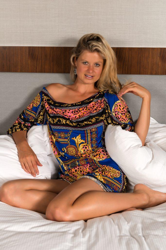 dreamstime_m_57001134-1024x683 Yelena, dulce en la cama