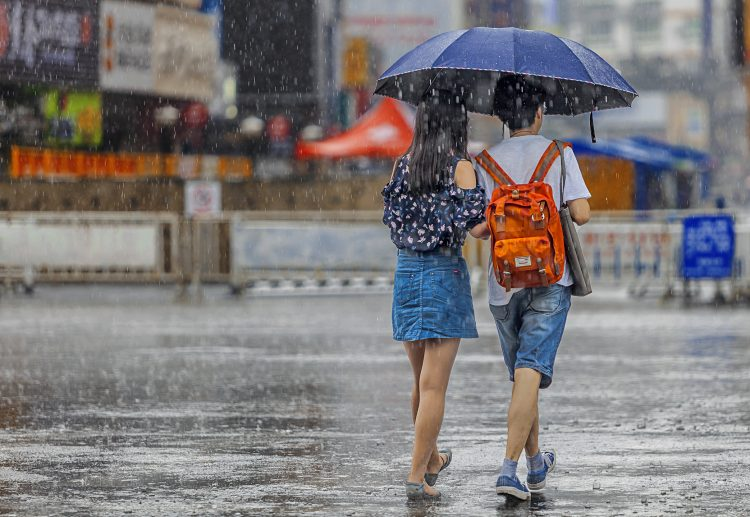 La tormenta se registró alrededor de las 17.00 hora local (22.00 GMT) del domingo en Peribán, un municipio dedicado principalmente a la agricultura, desbordando el río Cutio y una represa. (Dreamstime)