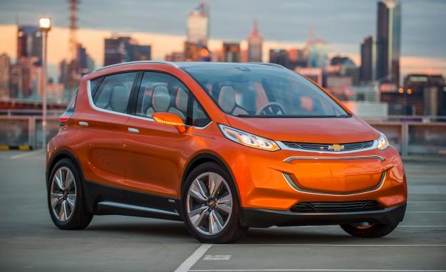 El año pasado en total se vendieron 360,273 vehículos eléctricos en los Estados Unidos y se vendieron 1.71 millones a nivel mundial. El total de los Estados Unidos es un 80% más alto que el total de 2017, y el total mundial es un 40% más que el año anterior.