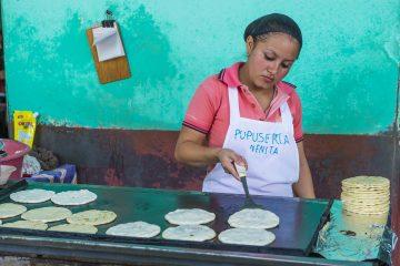 Los creadores del innovador alimento comentaron que las tortillas de cebada también brindan felicidad a los consumidores, debido a que este cereal contiene un compuesto denominado hordenina.