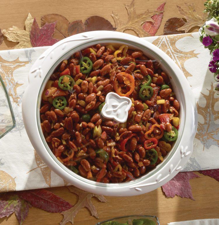 Sirve en la Cacerola redonda de 3 qt. y adorna con más cilantro picado. Sirve para 6 porciones.
