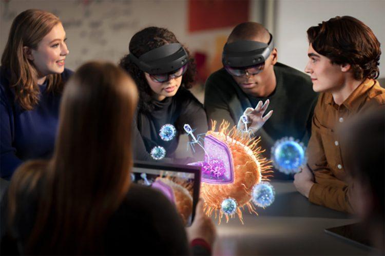Los clientes pueden reservar sus HoloLens 2 enhttps://www.microsoft.com/es-es/hololens/buy.