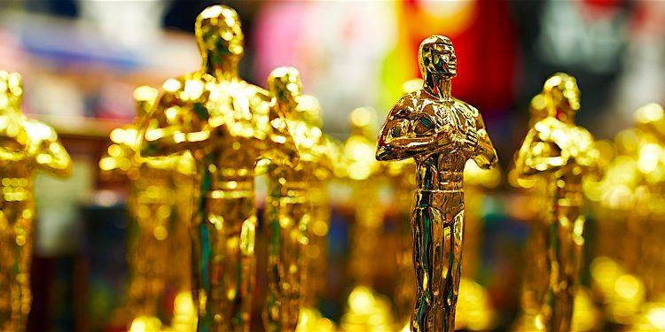 Además, Alfonso Cuarón se llevó a título propio las estatuillas a la mejor dirección y a la mejor fotografía. (Dreamstime)