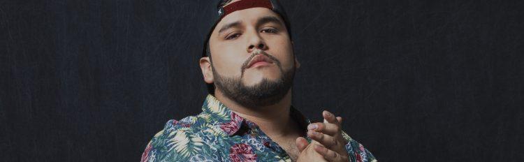 Mortificado es un tema contagioso, romántico y divertido, mezclando Reggae con ritmos Urbanos y Rap.
