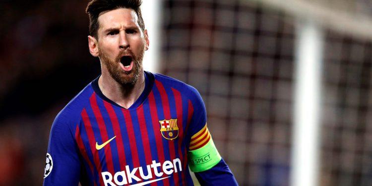 El delantero argentino del FC Barcelona Leo Messi celebra su segundo gol, y tercero del equipo ante el Olympique de Lyon, durante el partido de vuelta de los octavos de final de la Liga de Campeones que FC Barcelona y Olympique de Lyon jugaron en el Camp Nou, en Barcelona. EFE