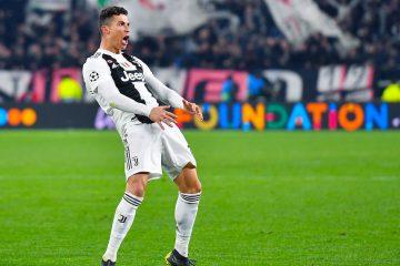 Cristiano Ronaldo de Juventus celebra la victoria y clasificación de su equipo al final del partido de vuelta por los octavos de final de la Liga de Campeones de la UEFA entre Juventus FC y Club Atlético Madrid en el estadio Allianz, en Turín (Italia). EFE/Alessandro Di Marco