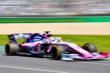 El piloto mexicano Sergio Pérez de la escudería Racing Point participa en la primera sesión de práctica antes del Gran Premio de Fórmula Uno Australia 2019en el Albert Park Grand Prix Circuit de Melbourne (Australia). EFE