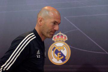 El entrenador del Real Madrid, Zinedine Zidane, durante la rueda de prensa que ha ofrecido en la Ciudad Deportiva de Valdebebas. EFE