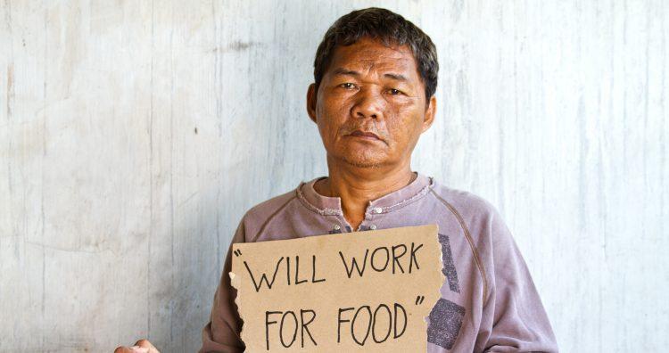 """La esperanza y la angustia se mezclan entre los miles de parados que han acudido a este """"mutirao"""", como se conocen en Brasil las """"maratonas"""" organizadas por sindicatos y Gobiernos locales en las que se ofrecen, de una sola vez, numerosos puestos de trabajo. (Dreamstime)"""