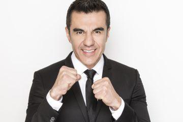 """Actualmente, junto a su amigo Omar Chaparro, hacen una gira de humor por Estados Unidos y México, llamado Imparables y actúa en la cómica serie """"Nosotros los guapos"""", con el también comediante Ariel Miramontes."""