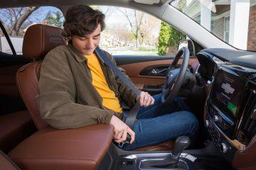 Según la NHTSA, el uso del cinturón de seguridad es el elemento de seguridad más importante en caso de accidente.