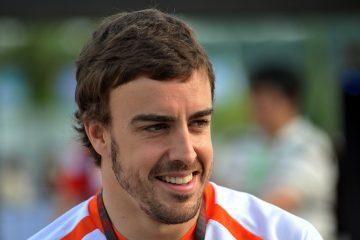 """Hace dos años Alonso ya disputó esta prueba, aunque no pudo acabar por una avería mecánica: """"Creo que la experiencia de 2017 debería ser muy beneficiosa en cuando a controlar tus emociones. Una vez que pasas de ser novato y vives todos esos momentos, será beneficioso para mí para prepararme mejor para la carrera. Este año es especial volver. Son dos semanas de pura magia"""". (Dreamstime)"""