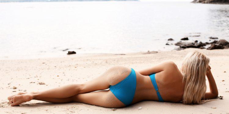 Chica-Sexy-2-1-750x375 Samara, rubia en las rocas