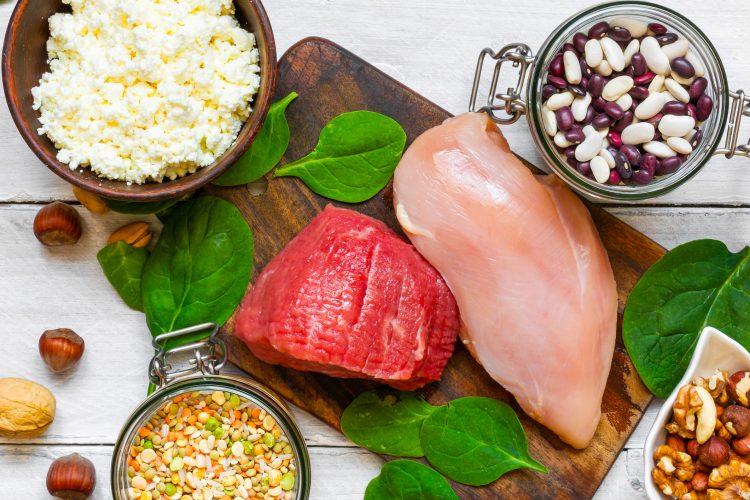 Por ejemplo, un churrasco de carne a la parrilla fue sustituido con pollo a la parrilla, y una porción de carne picada (molida) fue sustituida con pavo molido. (Dreamstime)