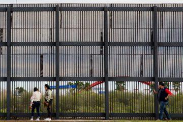Los menores detenidos en Clint habían sido separados o bien de los adultos con los que cruzaron sin papeles la frontera con México o bien de madres adolescentes, y llevaban semanas detenidos en las instalaciones de esa población cercana a El Paso. (Dreamstime)