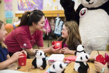 """El brazo filantrópico de Panda Express declara hoy 18 de Julio como el """"Panda Cares Day""""."""