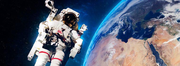 El equipo partió al espacio el 16 de julio de 1969 en un cohete, Saturno V, desde el Centro Kennedy, en el sur de Florida, y tres días después la cápsula Columbia se ubicó en la órbita lunar con el control a cargo de Collins. (Dreamstime)