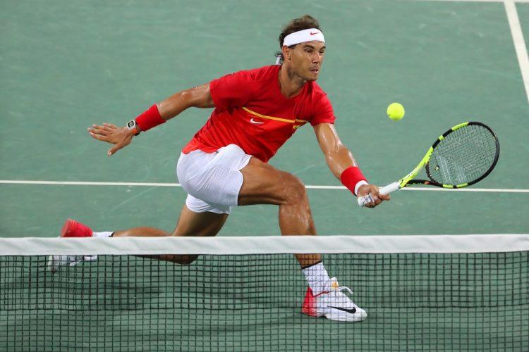 Durante el entrenamiento, Nadal se golpeó con su raqueta en la parte posterior de la pierna izquierda, aunque el incidente no significó nada importante. El zurdo de Manacor prosiguió luego sin darle mayor importancia. (Dreamstime)