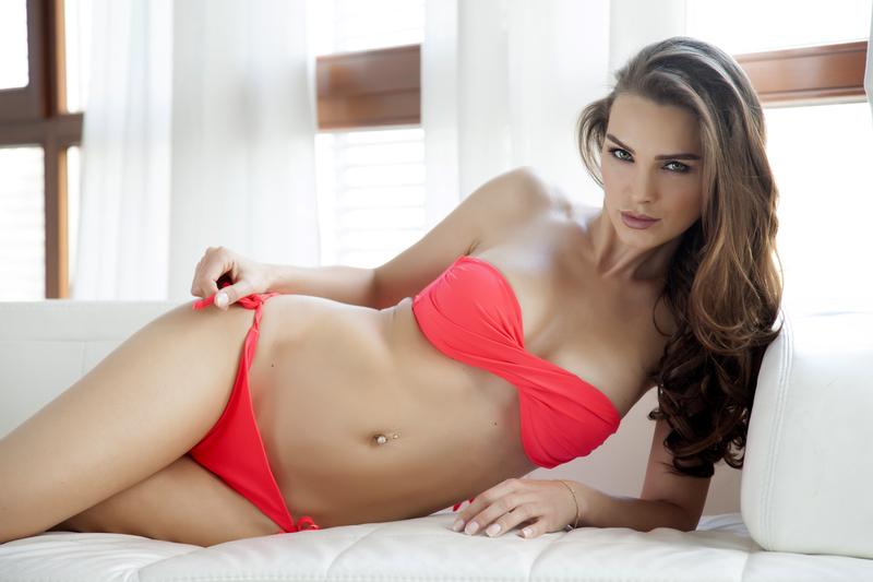 Sabrina-683x1024 Sofi, un sueño en bikini rojo