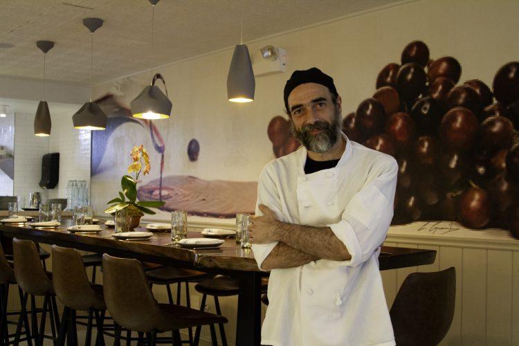 disfruta de lo mejor de la cocina ibérica de manos del chef Paco Parreño.