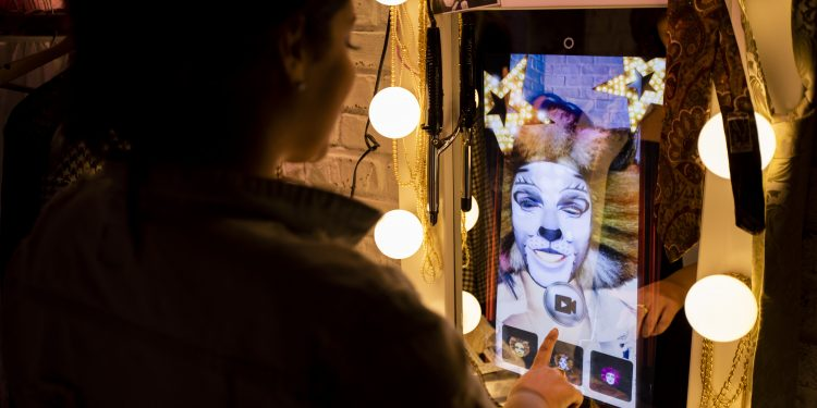 1143600625-750x375 Madame Tussauds presenta Broadway, donde la estrella eres tú