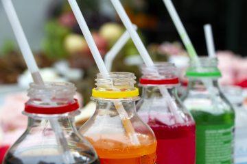 El aeródromo es propiedad y está operado por el Gobierno municipal, de manera que con esta decisión se adapta a la normativa aprobada en 2014 que prohíbe la venta de agua en botellas de plástico en todas las propiedades del Ayuntamiento.  (Dreamstime)